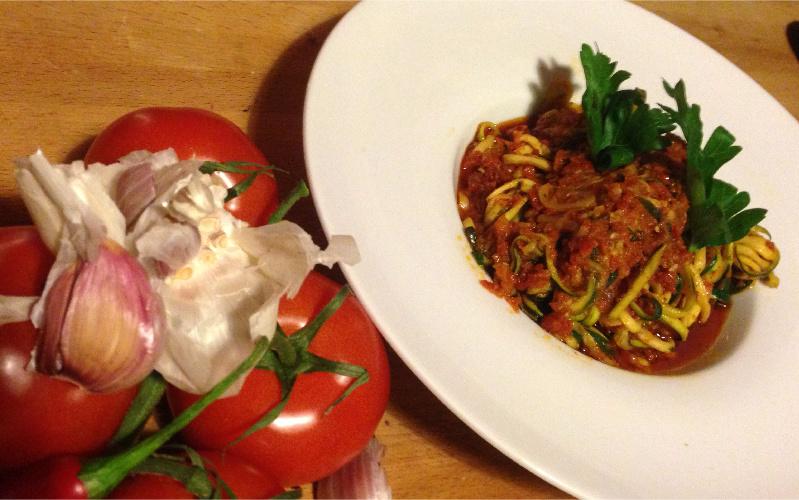 zucchini nudeln vegan rezept arrabiata pesto