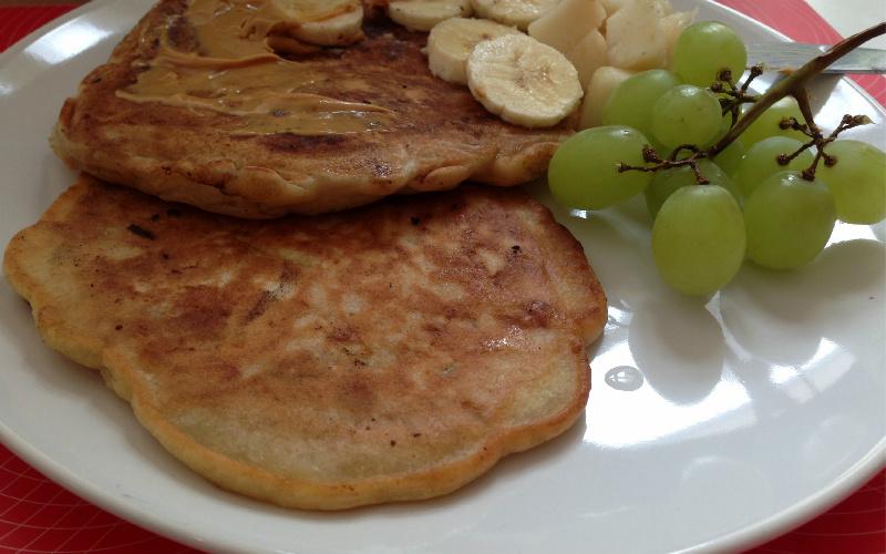 Vegane Bananen-Pancakes mit Mangocreme