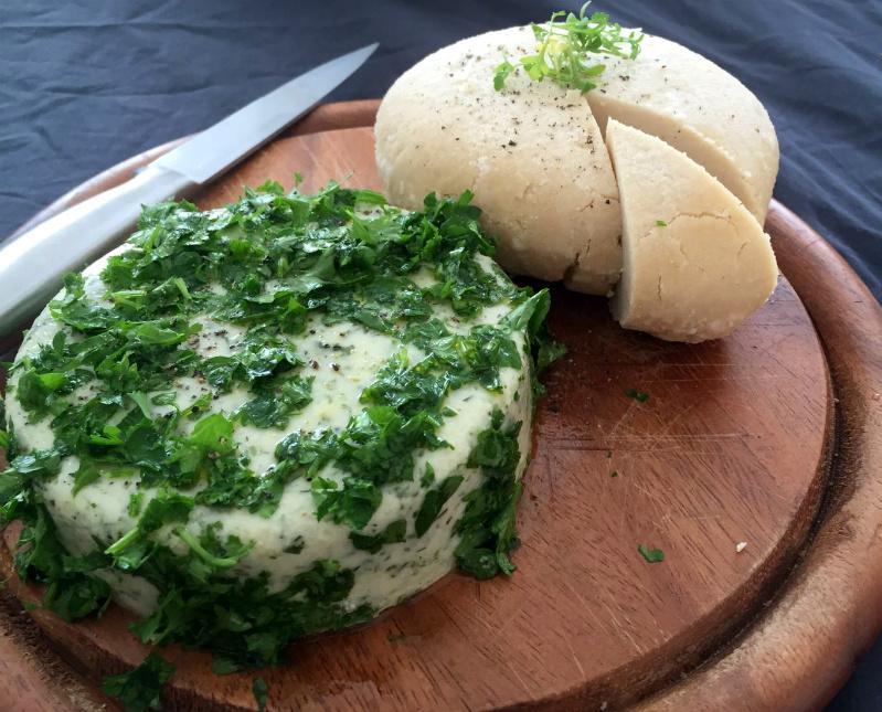 Cashew-Brie
