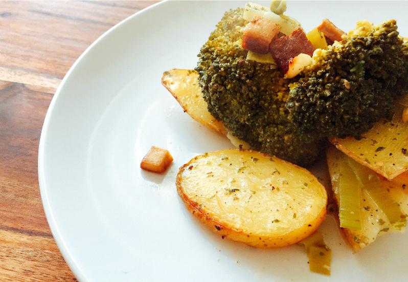 Kartoffel-Gemüse-Auflauf mit geräuchertem Tofu