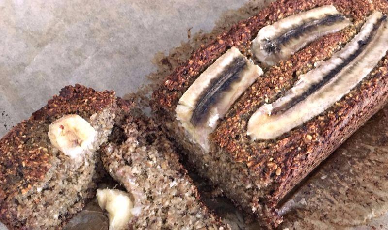 Schoko-Bananenbrot mit Mandeln
